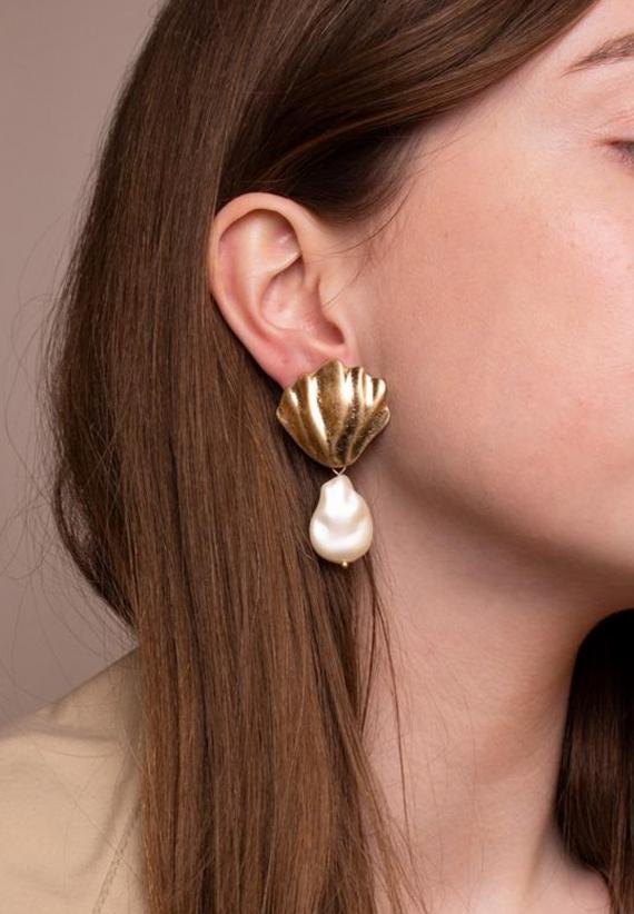 Wos Isa Earrings