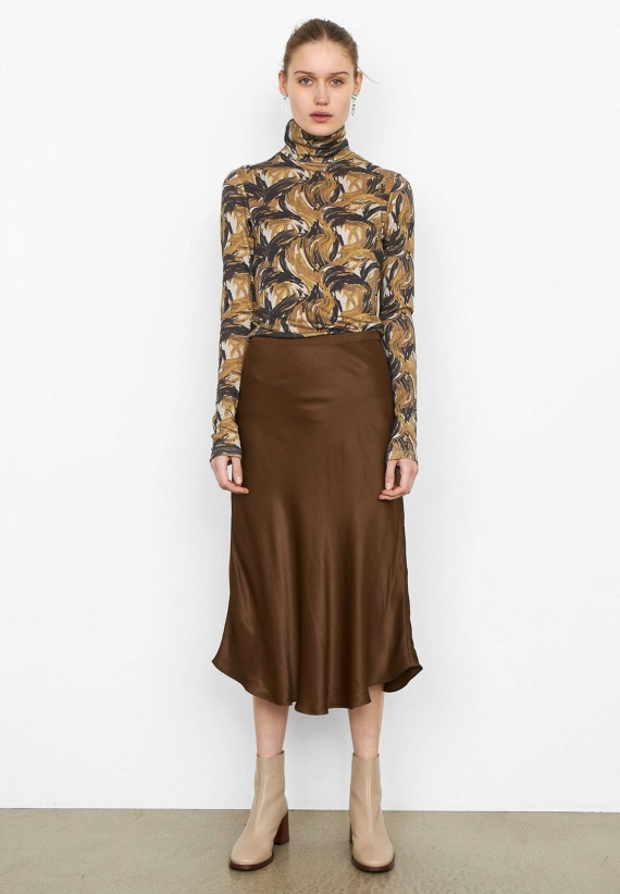 Second Female Eddie WB Skirt